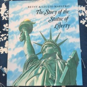 Other - The Story of the Statue of Liberty Book